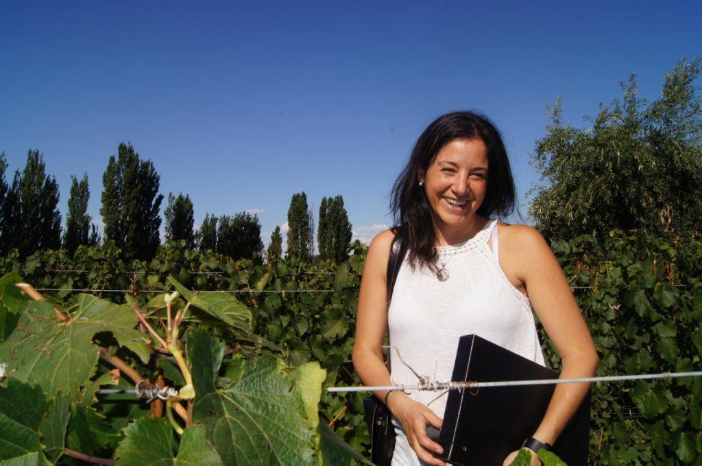 Rosalía en un viñedo