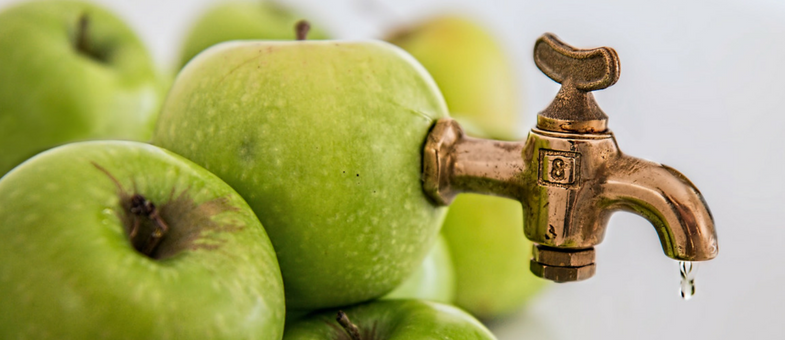 El festival de la sidra de la manzana al tonel